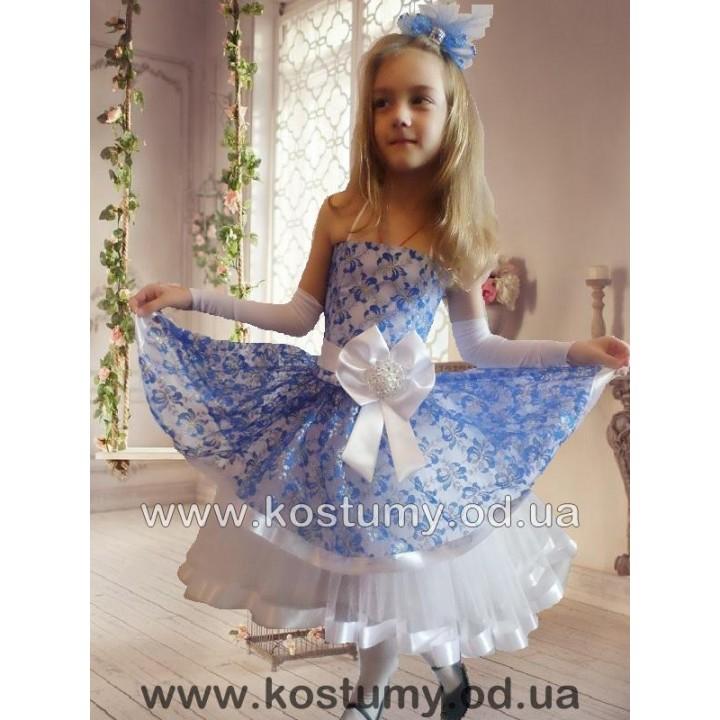 """Платье на выпускной в садик, платье нарядное, платье бальное, платье с """"хвостом"""", платье АСИММЕТРИЯ, модель ДЭНИЗ, гипюр, бело-синее, рост 115-130 см"""